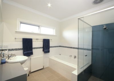 arnold-residence-bathroom2