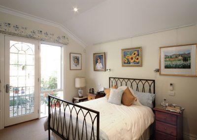 arnold-residence-bedroom4