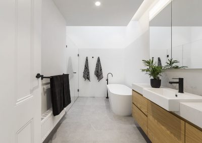Prahran residence bathroom
